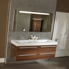 A Beautifully Cabinet Small Bathroom - Karbonix