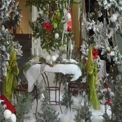 Adorable Holiday Outdoor Decoration - Karbonix