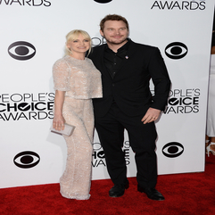 Anna Faris And Chris Pratt Made An Adorable Couple On The PCAs Red - Karbonix