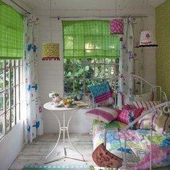 Apartement Decorating Ideas Colorful Cushions - Karbonix