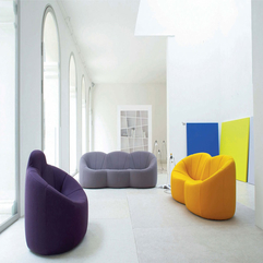 Apartment Living Room With Colorful Sofas Chairs Vibrant Colors Spacious Modern - Karbonix