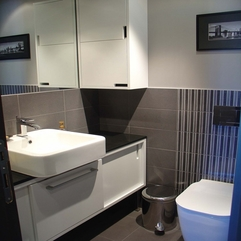 Apartment Neutral Color Idea Applied In Bathroom Interior Design - Karbonix