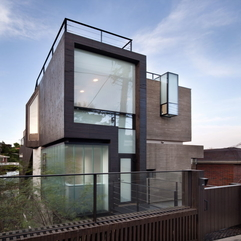 Architecture Glass Material Usage For Walling Unit On Creative H - Karbonix