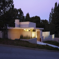 Beautified With Yellow Lighting Viewed From Facade White Home - Karbonix