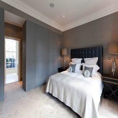 Brown Pillow White Bed - Karbonix