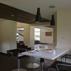 Classy Style Minimalist Dining Room - Karbonix