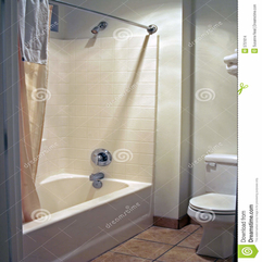 Clean Neutral Bathroom Nallau Interior Design - Karbonix