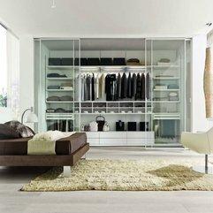 Closet With Glass Door Panels Modern Italian - Karbonix