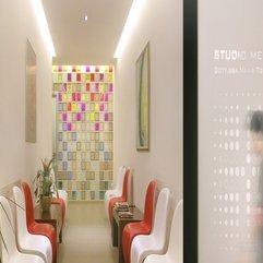 Comfort Waiting Room Doctor Office Design - Karbonix