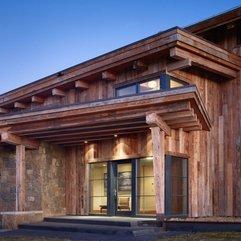 Door In Wooden Residence Wall Glazed - Karbonix