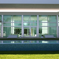 Door With Inside Bakcground Viewed From Infinity Pool Transparent Glazed - Karbonix