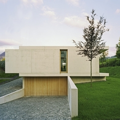 Enchanting One Storey Inclined Modern House Overlooking The Alps - Karbonix