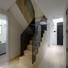 Glass Wooden Stairs Serano Apartment - Karbonix