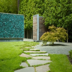 Green Grass Smal Tree Stone Stepping - Karbonix
