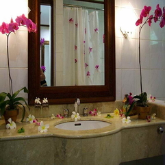 How To Decorate A Small Bathroom With Flower Decor Ideas On - Karbonix