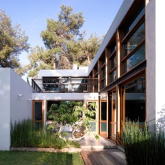 Inside Minimalist Garden - Karbonix