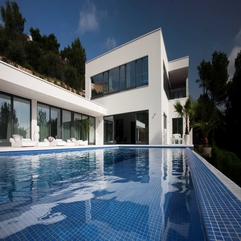 Interior Beautiful Dashing Two Level Modern White Home Interior - Karbonix