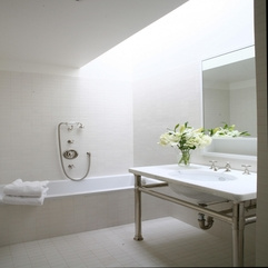 Interior Design Minimalist Bathroom Design With Cool Skylights - Karbonix