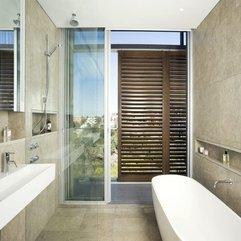 Interior Design With Wooden Window Modern Bathroom - Karbonix