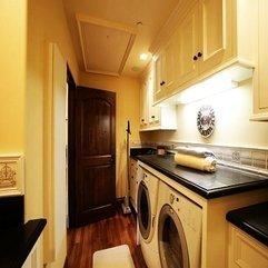 Laundry Room Tuscan Villa - Karbonix