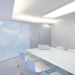 Meeting Room Of Embryocare Clinic Serene White - Karbonix