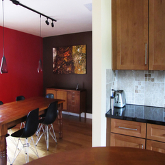 Minimalist Dinning Kitchen Design Ideas With Red And Brown Wall - Karbonix
