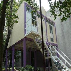 Modern Style House Elevated - Karbonix