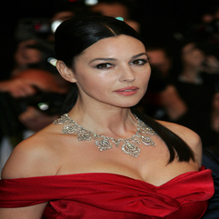 Monica Bellucci Celebrity Mom Style Red Carpet Ravishing To - Karbonix
