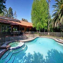 Open Swimming Pool Spanish Style - Karbonix
