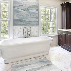 Retangular White Tub In Pretty Bathroom Design - Karbonix