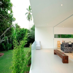 Room With Green Garden Integrated Living - Karbonix