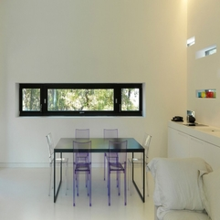 Room With Transparent Chairs Dining Room - Karbonix