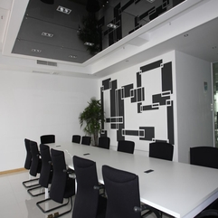 Simple Office Meeting Room White Small - Karbonix