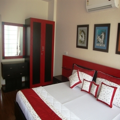 Simple Red Black Bedroom Interior - Karbonix