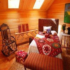 Skylight Rustic Bedroom - Karbonix