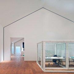 The Large Room Transparent Room - Karbonix