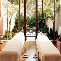 Transparent Glazed Door Massage Space - Karbonix