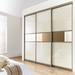 Unique Sliding Doors Wardrobe Modern Minimalist - Karbonix