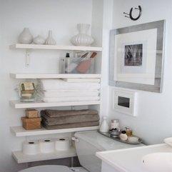 Variatif Wall Art In Closet To Decor Your White Apartment Walls - Karbonix