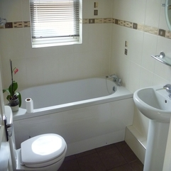 White Bathroom Interior Design Looks Bathtub - Karbonix
