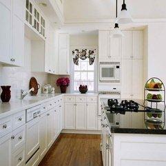 White Kitchen Gallery With Wooden Floor Get Inspiration - Karbonix